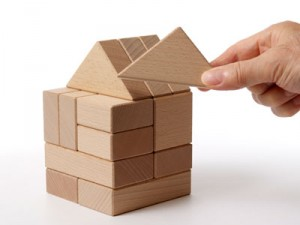 Gazebo di rilevanti dimensioni al servizio di un'attività commerciale e titolo edilizio necessario