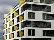 installazione-tenda-su-balcone-condominiale-il-limite-del-decoro.jpg